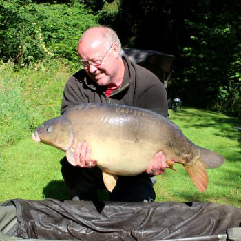 Steve with Mr Angry at 37lbs 4oz mirror carp
