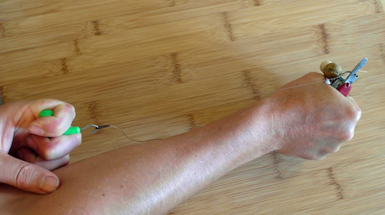 how-to-tighten-and-test-your-carp-knot