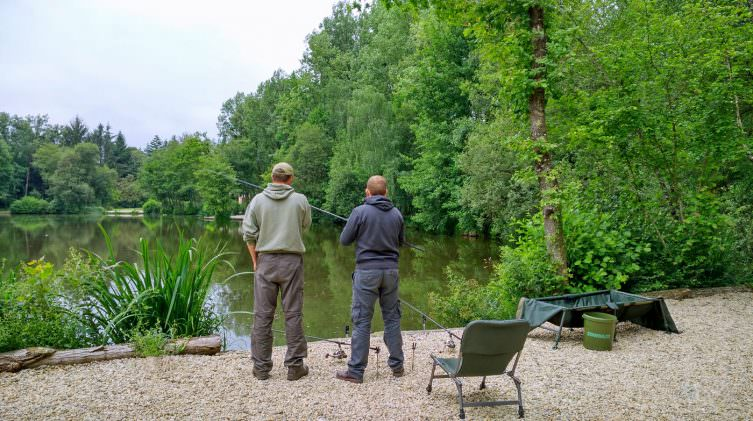 Anglers discussing the marks available from the Catfish Corner swim