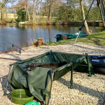 fishery-equipment-available-at-carp-lake