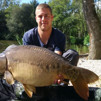 Jason-with-Scalpel-at-35lbs-8oz-carp