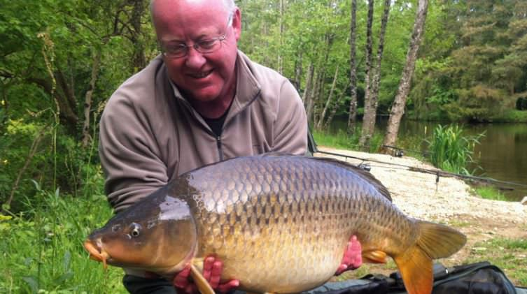 Steve-with-a-32lb-common-carp