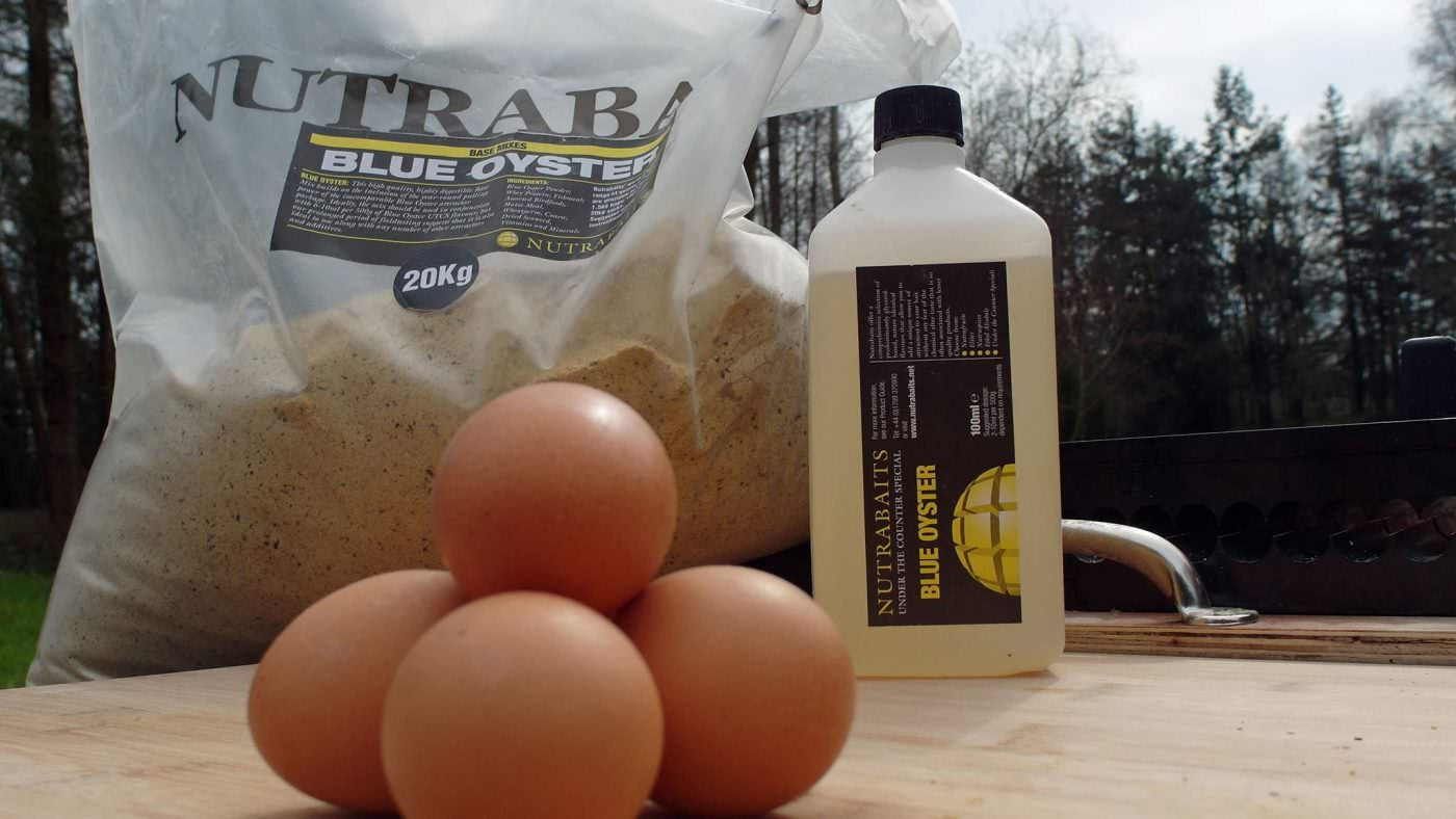 boilie-making-ingredients-with-nutrabaits-blue-oyster-mix