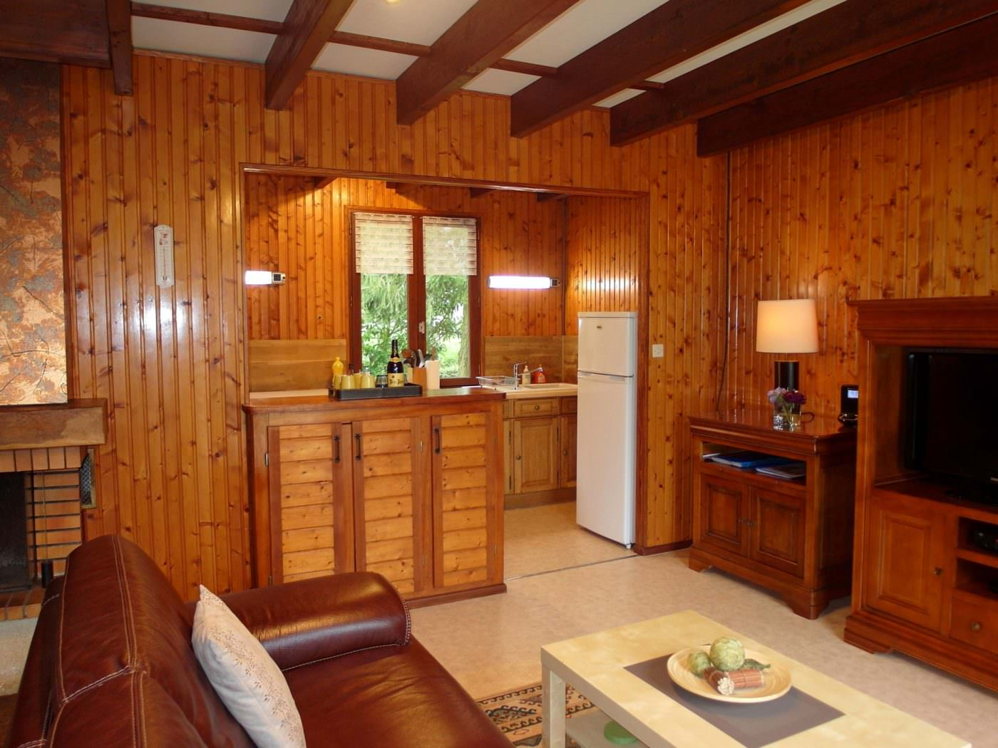 carp-lake-accommodation-kitchen-corner