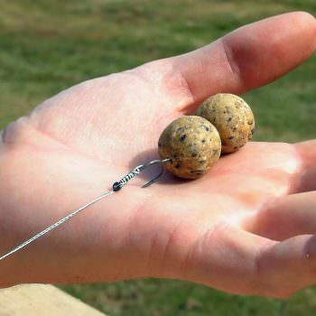 testing your carp rig on your hand