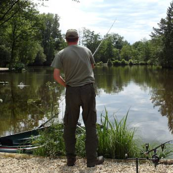 angler-casting-at-french-carp-lake