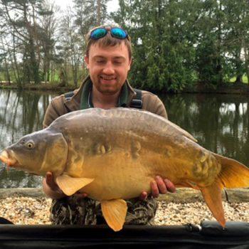 Luke carp fishing in france with a 33lbs mirror