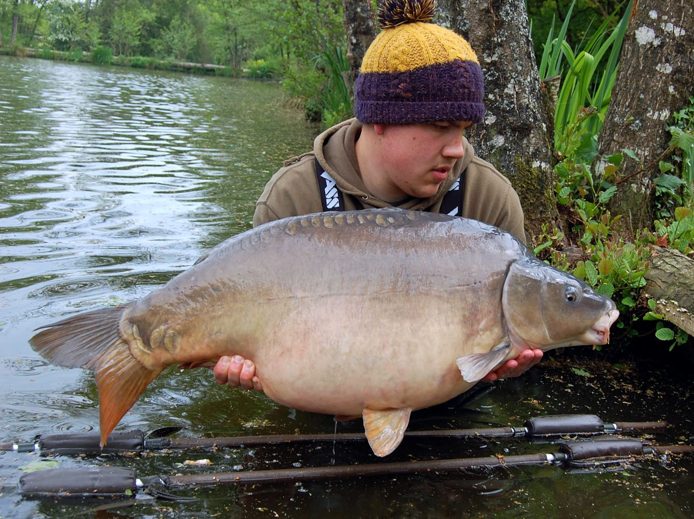 Adam with new king of the pond Mr Angry at 41lbs 2oz