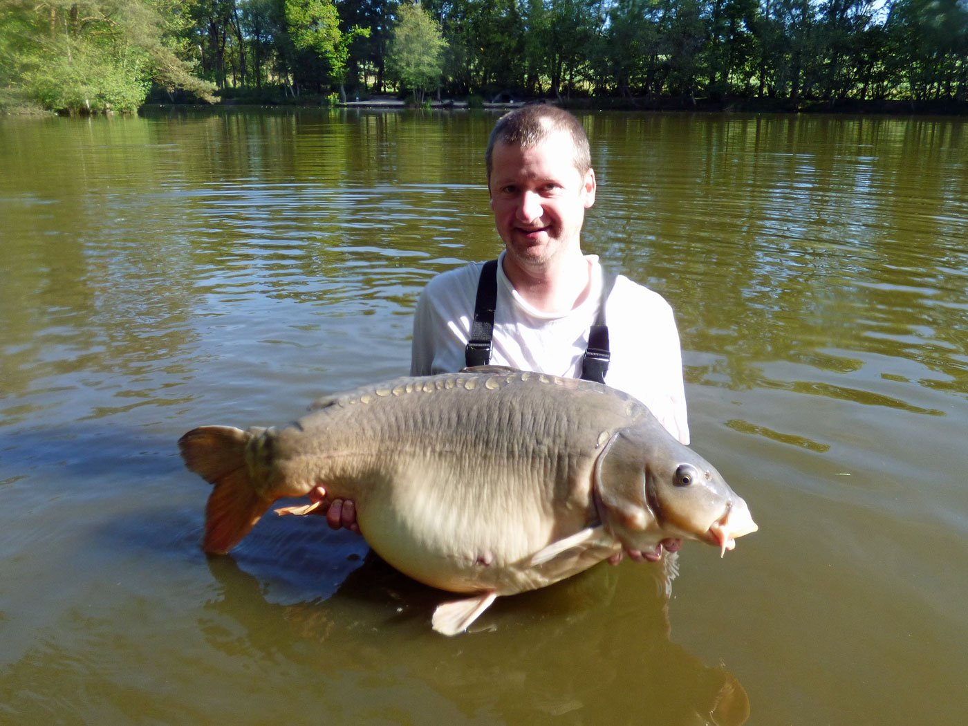 Ian with Cut Tail at 39lbs 12oz mirror carp