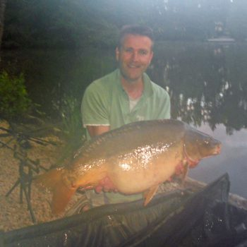 Darren with a 30lbs 4oz mirror carp