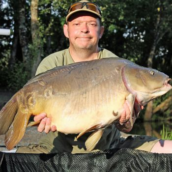 Rob with Charlie Brown at 27lbs 8oz