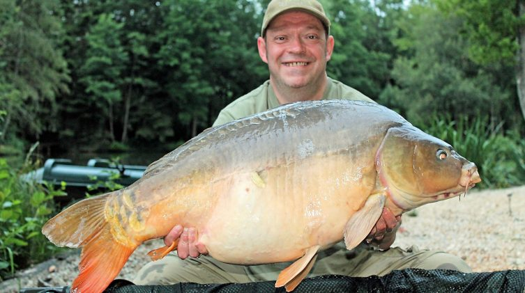 Rob with a mirror carp of 38 pounds