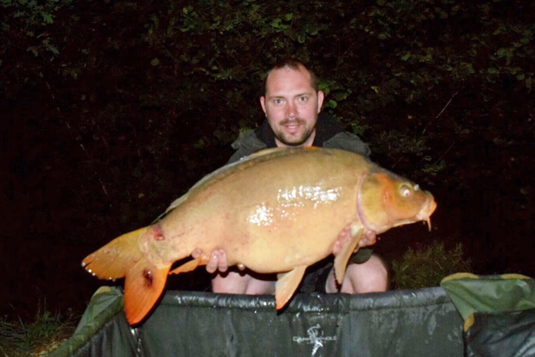 Ian with Fan Tail at 30lbs 6oz mirror