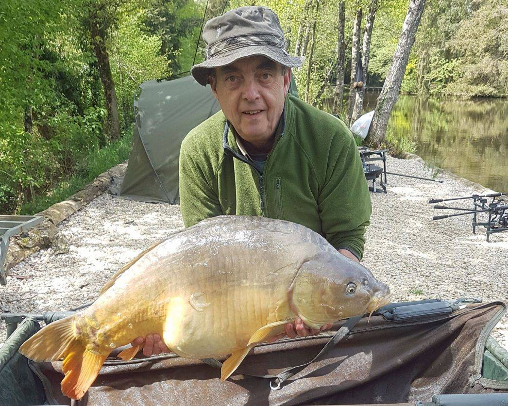 Steve with Dink at 39lb 6oz