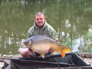 Paul with a 30lbs 8oz mirror