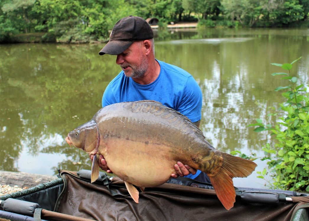 Dave with Galaxy at 32lbs
