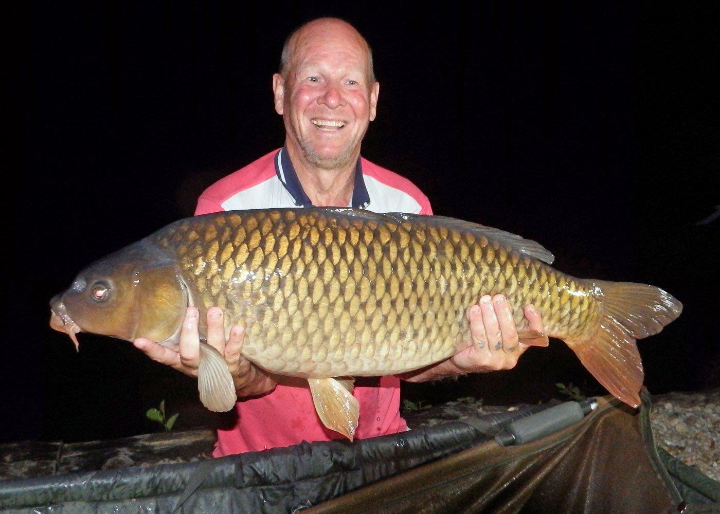 Ian with a 30lbs 6oz common carp