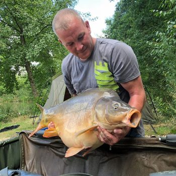 Anthony with Galaxy at 33lbs 4oz carp fishing in france