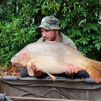 Joe with Hyphen at 34lbs