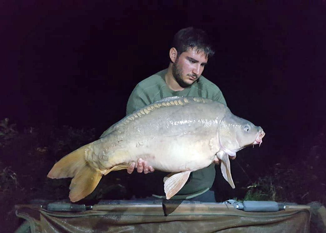 Joe with Merlin at 29lbs 8oz