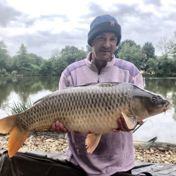 Mark with a 27lbs 8oz common