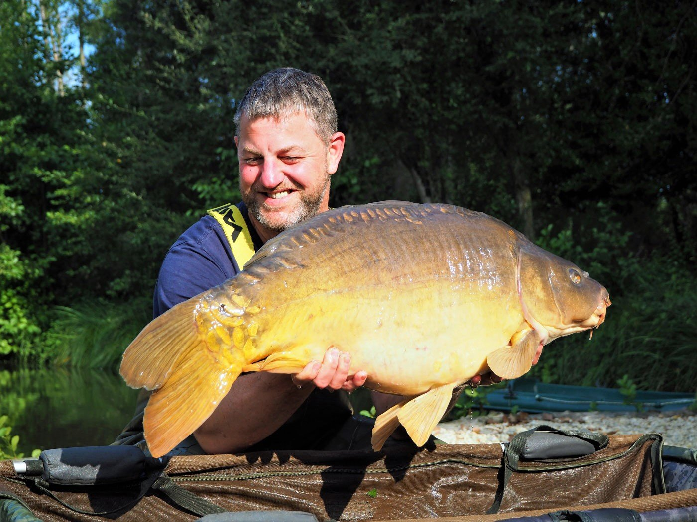 Jon with the Dark Knight at 33lbs 8oz