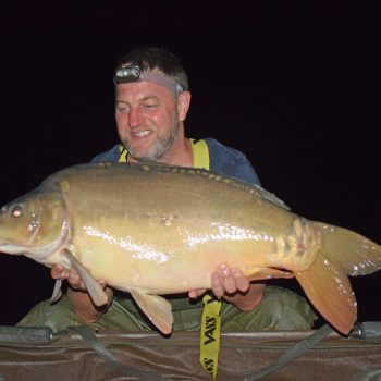 Jon with the Dark Pearl at 28lbs 4oz