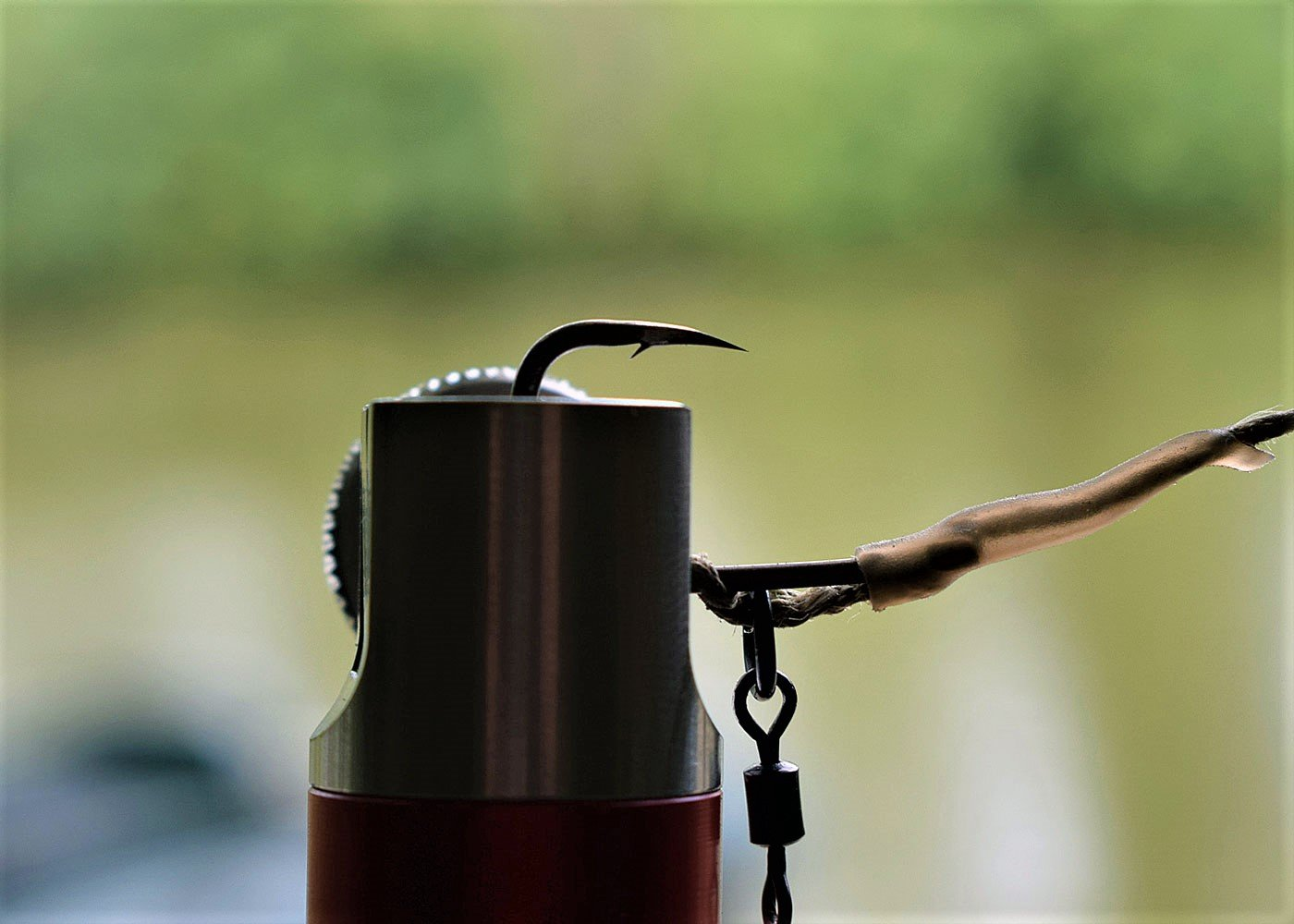 very sharp hook for carp fishing