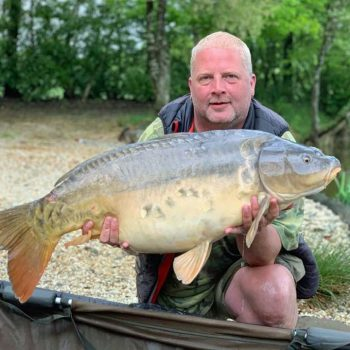 alex carp fishing in france with a 39lbs mirror carp