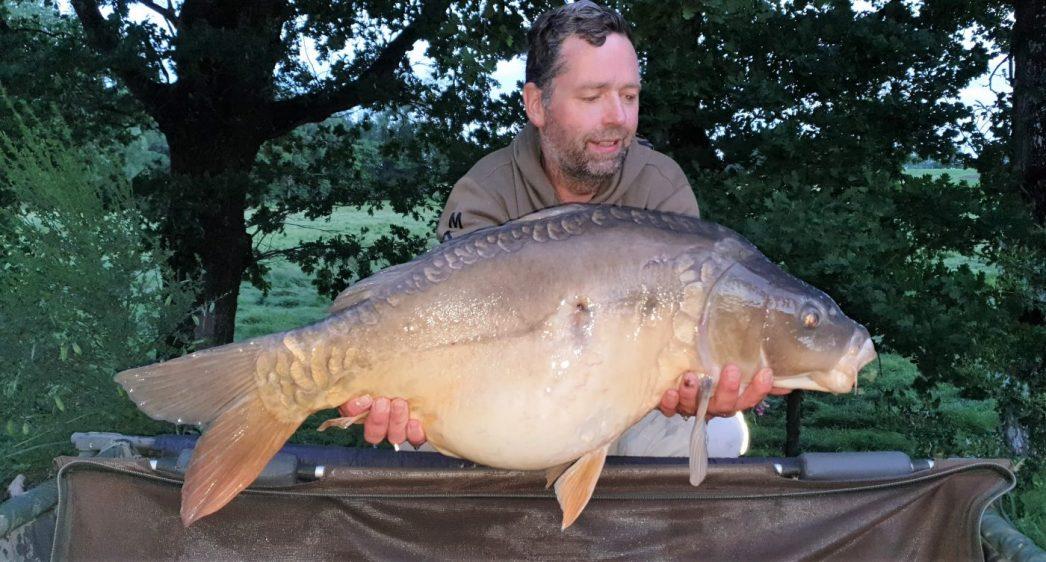 damon carp fishing in france with a 28lb carp