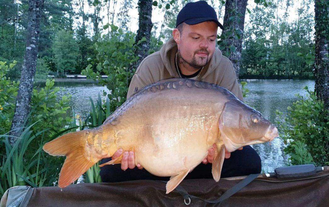 john carp fishing in france at beausoleil with a 30lb mirror carp