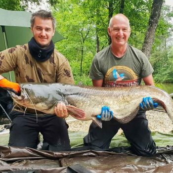 luke cat fishing in france with an 86lb catfish