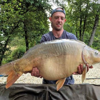 Paul with Earl Grey at 34lbs carp fishing holiday
