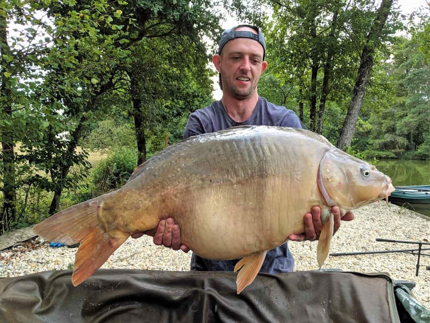 Paul with Earl Grey at 34lbs carp fishing holiday
