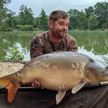 Wesley with Stardust at 29lbs carp fishing in france