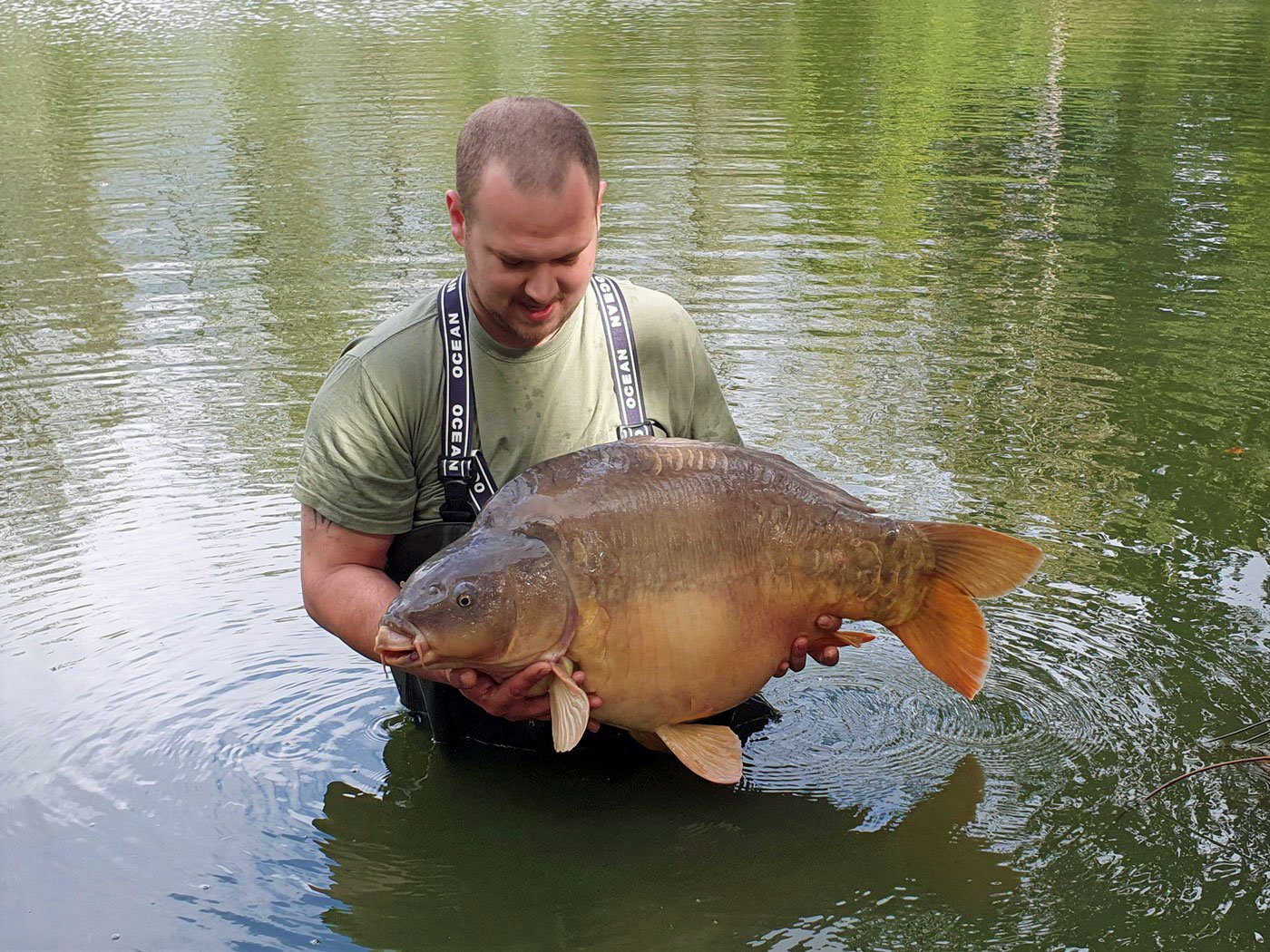 Andy with Gerrard at 38lbs 8oz carp