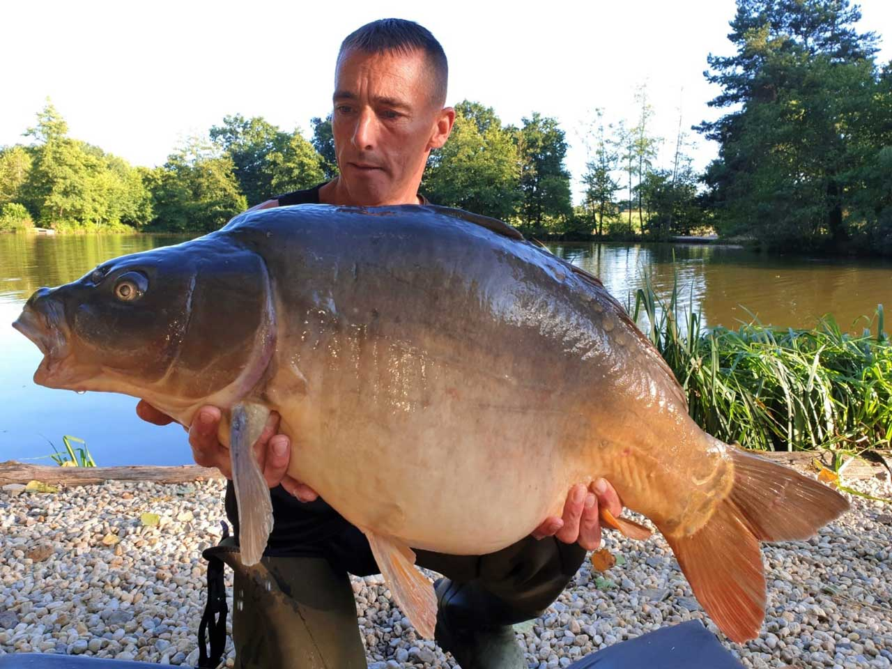 Lee with Bump at 32lbs mirror carp france