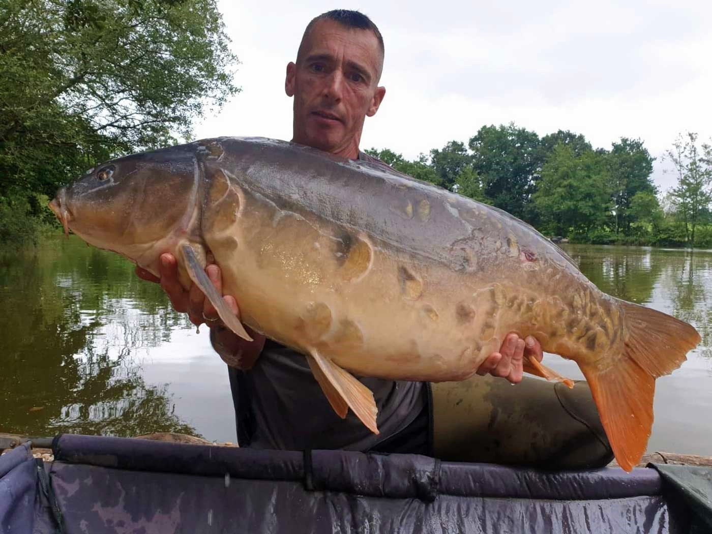 Lee with the Sub at 40lbs